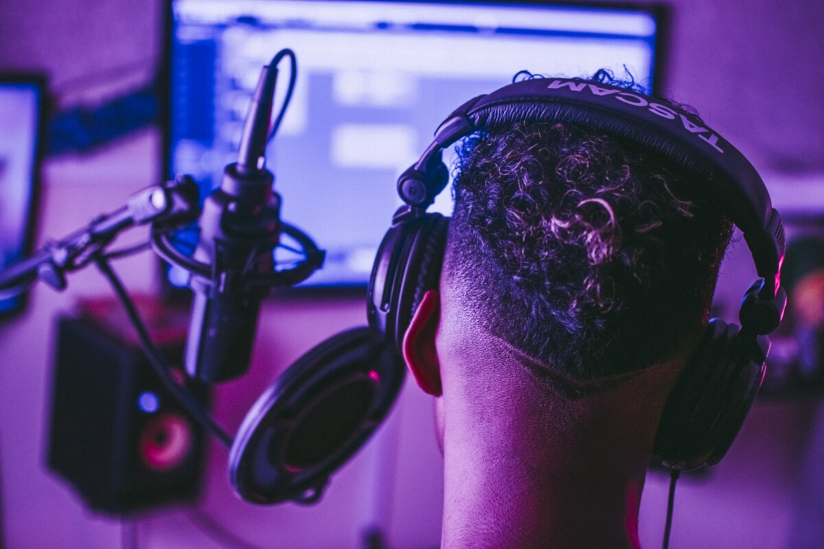 best headphones for video editing front image